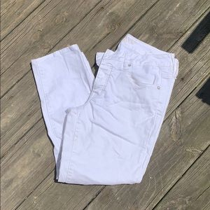 American Eagle size 8 distressed cropped jeans
